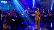Christine & The Queens with Jools & His Rhythm & Blues Orchestra Sign Your Name
