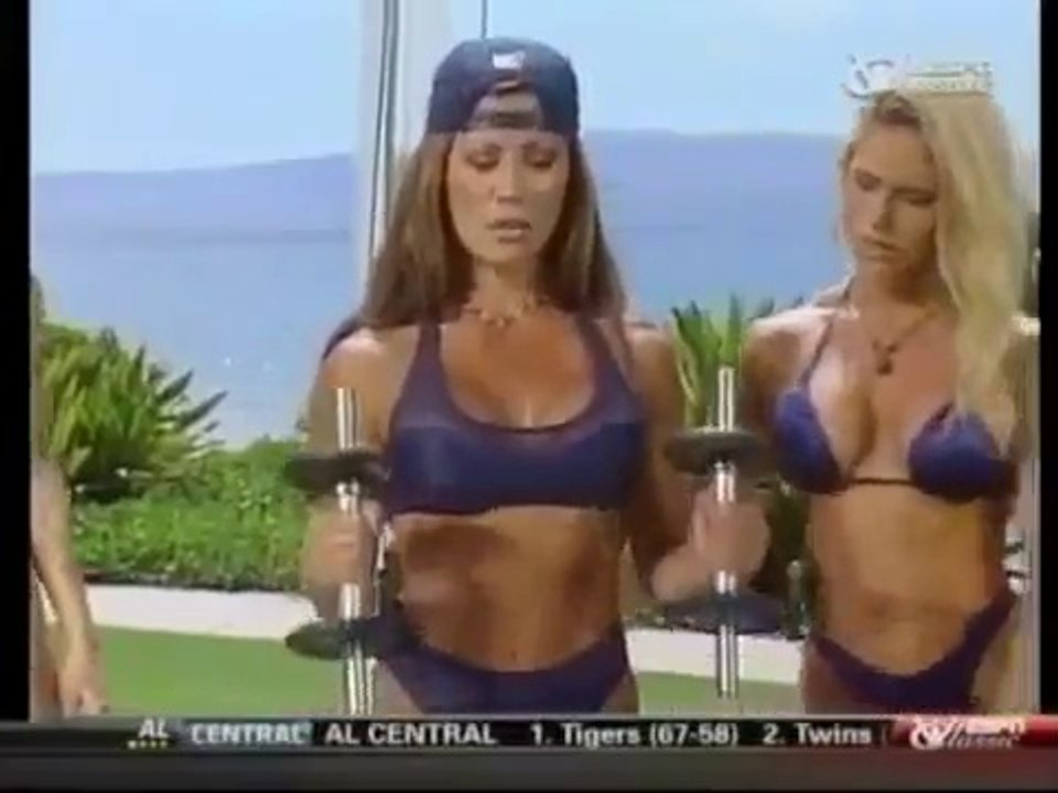 KIANA TOM - KIANA'S FLEX APPEAL - BICEPS AND BACK TRAINING WITH MONICA  BRANT - Fitness Muscle Female Bodybuilding Workout Routine