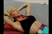 FITNESS BEACH - KATHY DERRY - ABS AND CORE WORKOUT - Fitness Muscle Female Bodybuilding Workout Routine