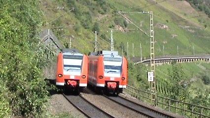 Eisenbahn und Moselschiffe bei Reil an der Mosel, NIAG 145, 2x 426, 425
