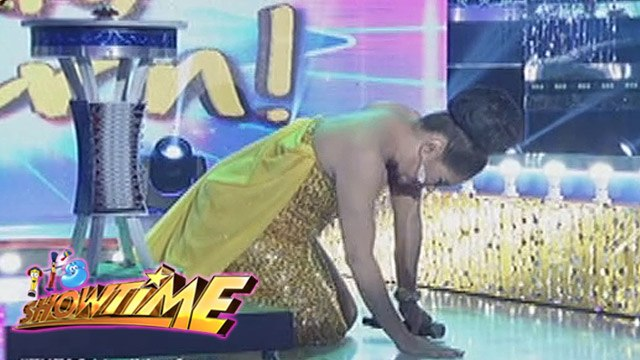 It's Showtime Miss Q & A: Matrica Matmat Centino breaks down on It's Showtime stage