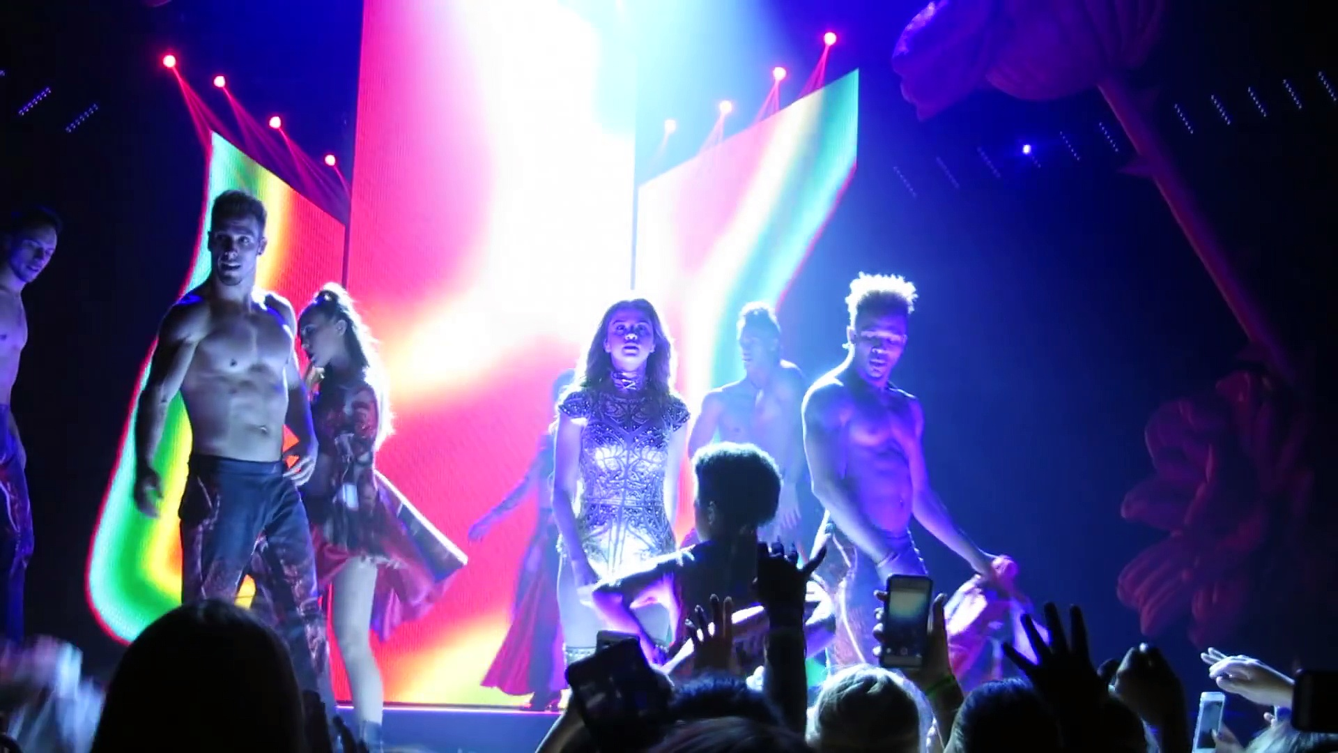 Selena Gomez - Body Heat |Selena Gomez Songs | Selena Gomez Instyle. http://bit.ly/2BuUAGT