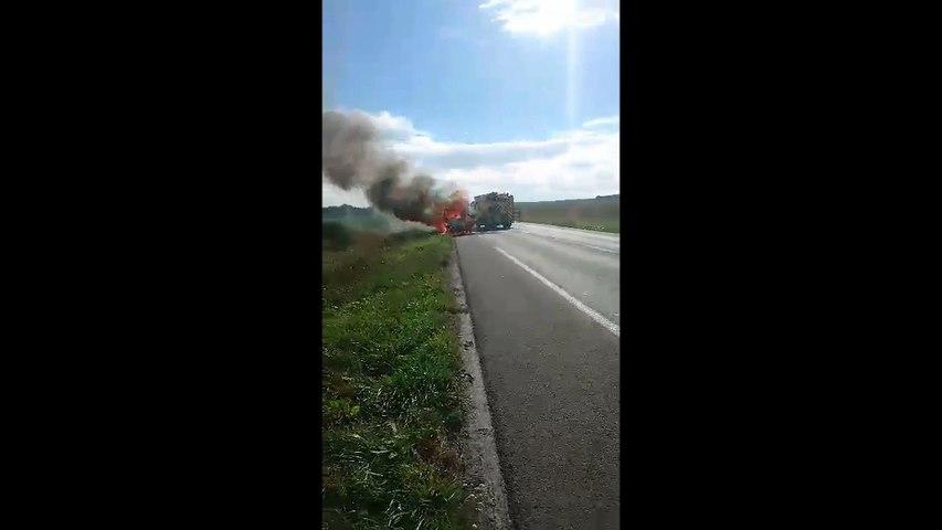 Voiture en feu à Blangy-Tronville