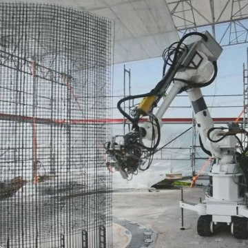 A digitally fabricated house is being built