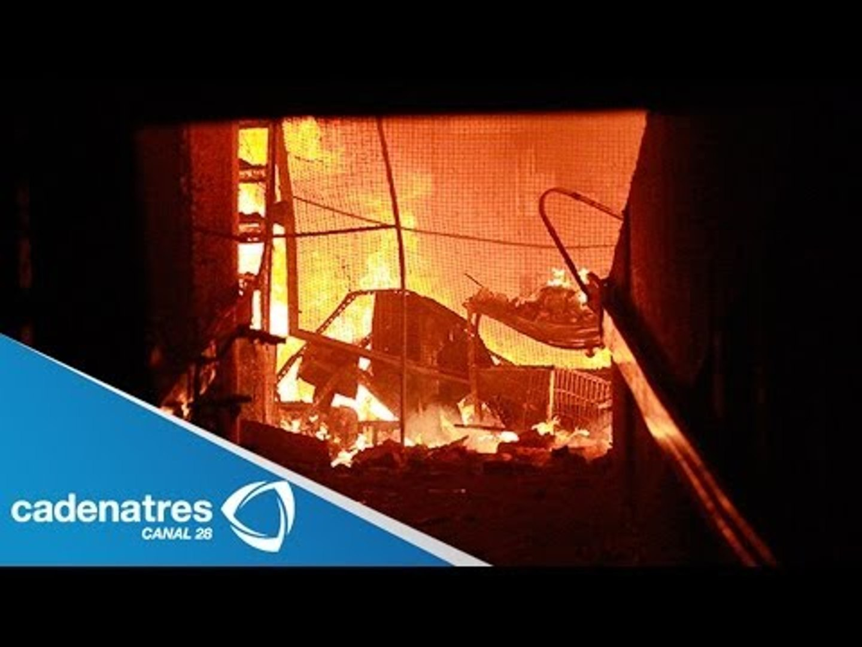 Incendio consume el mercado Corona de Guadalajara / Fire consumes market Corona Guadalajara