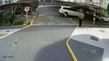 Comment ne pas se garer sur un parking... La chauffard détruit tout!