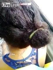Il filme une femme avec une centaine de poux sur la tête dans le bus ! Ecoeurant !