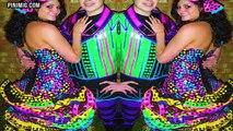 Dix adolescents qui portait leur mamans bal de promo Robes décennies par la suite