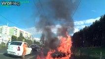 Ce motard se crash violemment et sa moto prend feu mais il s'en sort miraculeusement