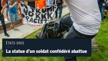 Après Charlottesville, des manifestants abattent la statue d'un soldat confédéré en Caroline du Nord