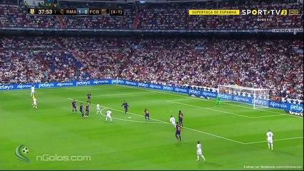 Karim Benzema Goal vs Barcelona (2-0)