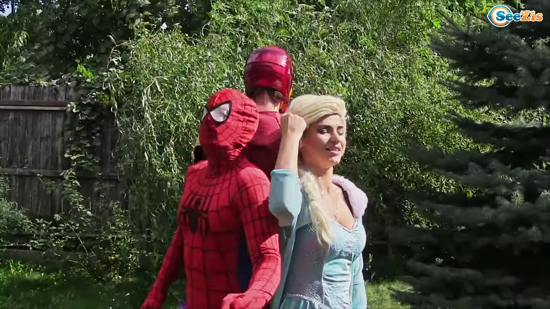 Elsa spiderman vs frozen elsa
