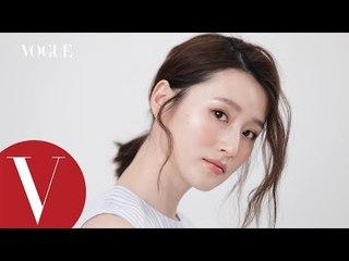髮型教學:浪漫韓妞低馬尾    3分鐘就美麗    Vogue Taiwan