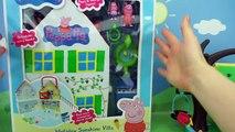 Jouer Dans le doh surprend de nombreux porcs Pepp différents enfants tenues sculptent une vidéo de gâteau