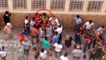 Etek Altı Görüntüsü Çeken Genci, Vatandaşlar Tekme Tokat Dövdü