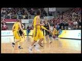 Play of the Night: Anton Gavel to Maik Zirbes, Brose Baskets Bamberg