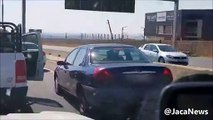 En Afrique du sud  un chauffard est stoppé par des automobilistes après avoir provoqué un grave accident de la route