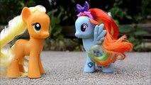 Et cul mouche en volant petit mon sur jouer poneys poney course course balade les tout-petits Elsa anna