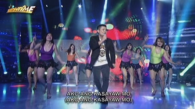 "It's Showtime: Ogie Alcasid performs his single, ""Do You Wanna Dance With Me"""