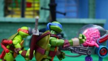 Teenage Mutant Ninja Turtles Mega Bloks Battle Lair Kraang Attacks Each Ninja Turtle with