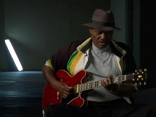 Gibson Guitar Hero Video: Johnny Jones & Blues Guitar Style