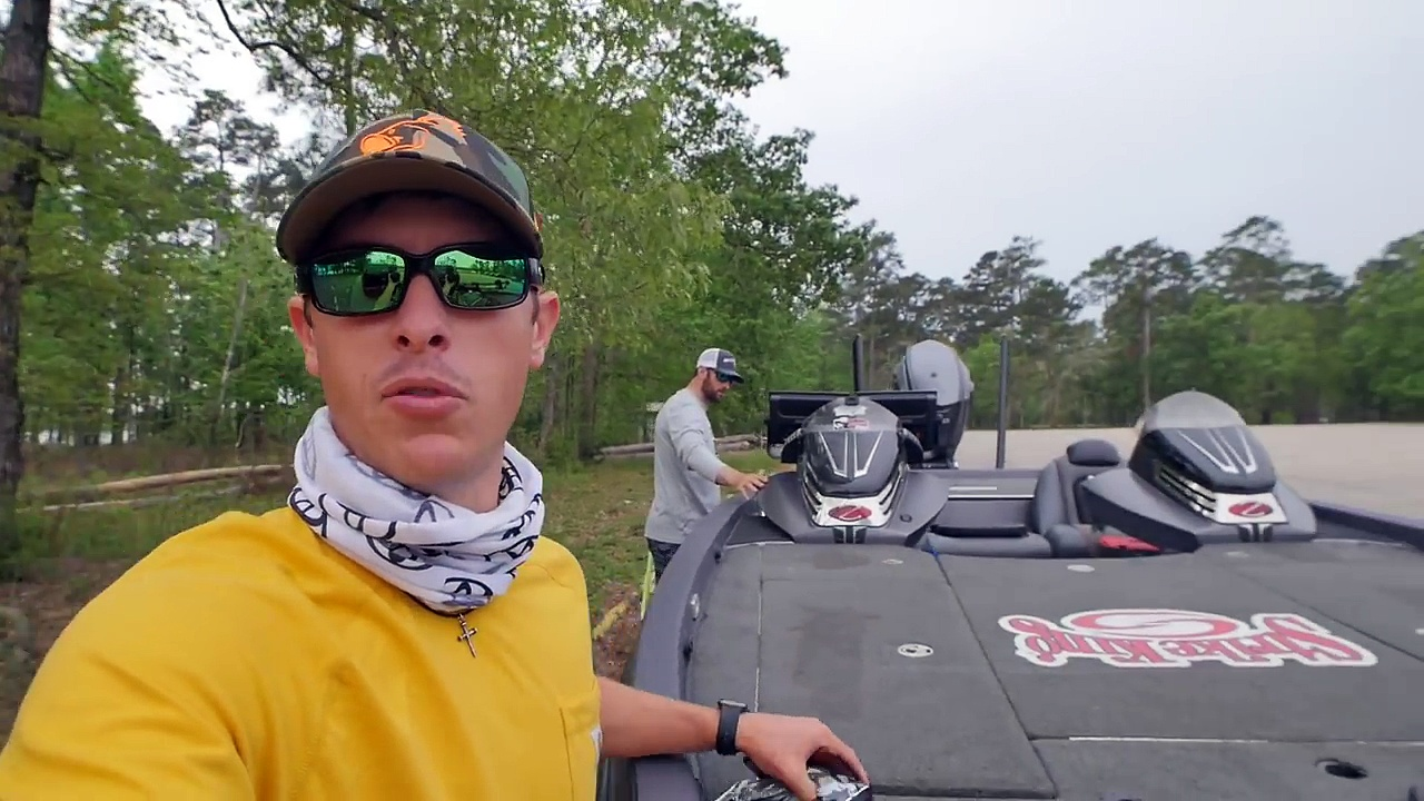 Fishing Big Texas Bass with NFL Defensive End Brian Robison