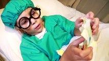 Ré jouer Dans le enfants pour jouer bébé médecin médecin mordu Pillman guérit frottis vidéo hilarante