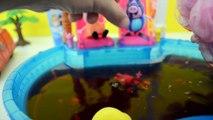 Famille n / A porc piscine Peppa la george nager avec chien tototoy portugais