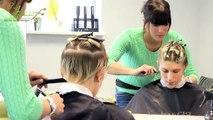 Bourdonner par par Coupe extrême cheveux la Coupe de cheveux beauté nuque lutin Court saper Femmes Alisha heide