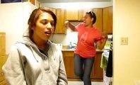 Une mère plombe la vidéo de sa fille en chantant du beat box et fait le buzz