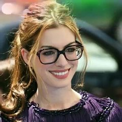 Anne Hathaway Sexy Photo Gallery