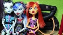 Dans le Monster Vidéo poupées haute poupées vie spectacle de marionnettes dans les coulisses arrêtent parfois un mouvement