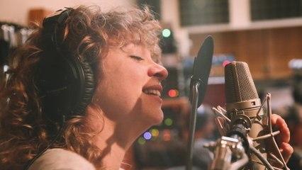 Jacqueline Govaert - Back Of My Hand
