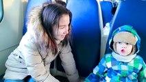 Bébé mal sur série mauvais enfants du train 100 km ont perdu