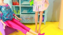 Et à poupée gelé drôle centre commercial parodie problèmes chaussure Boutique Le prince hans barbie disneyc de barbie