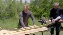 Gordon Ramsay capture un python et le cuisine en wraps