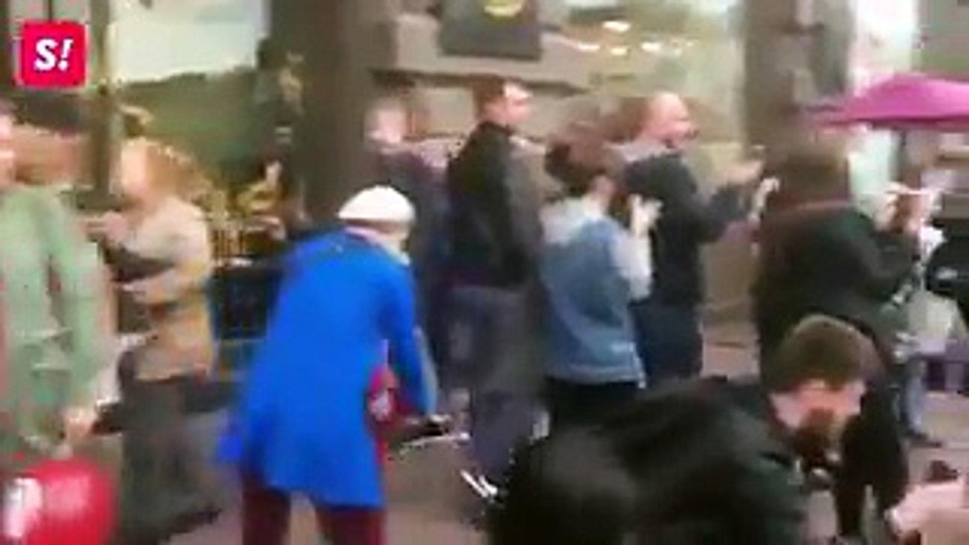 Екс-мер Архангельська водить на повідку Дональда Трампа по Санкт-Петербургу