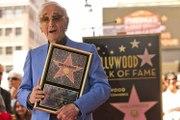 Charles Aznavour recibe por fin su estrella en el Paseo de la Fama en Hollywood