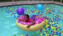 Des balles des œufs ailette amusement amusement géant sirène piscine la natation queue à Il jouets avec shopkins voir la surprise mlp