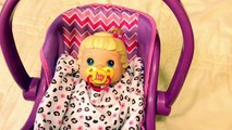 Bébé vivant mieux maintenant mur denceinte poupée alimentation avec bébé née aliments