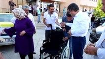 Kaymakam Çetin'den Engelli Vatandaşa Tekerlekli Sandalye