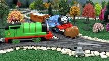 Et amis drôle mousse jouer farce porter secours plates-formes à M jouet Entrainer Thomas accident doh diggin |