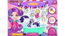 Dans le pour de dessin animé poney Barbie prend soin du bébé mai Petits lave-linge jeu