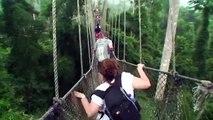 Dix des ponts dans le plus effrayant étrange le le le le la monde |