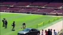 Barca : Lucas Digne n'arrive pas à jongler lors de sa présentation