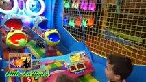 Content mandrin et fromage la famille amusement intérieur des jeux et Activités pour enfants enfants