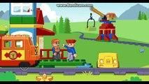 Et voiture des voitures dessin animé pour de joie enfants jouets Entrainer les trains un camion duplo enfants lego accident