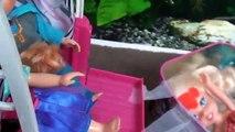 Et brute poupée chutes gelé a fait mal jambe les tout-petits jouets Anna elsa elsya accident 1 barbie