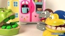 Roussir onu shrek et le jouent à jeu de société histoires de jouets
