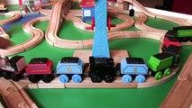 Et pour amis amusement amusement enfants jouer tableau offres jouet Entrainer les trains en bois thomas  